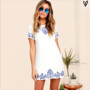 * Never been worn * lulus embroidered shift dress